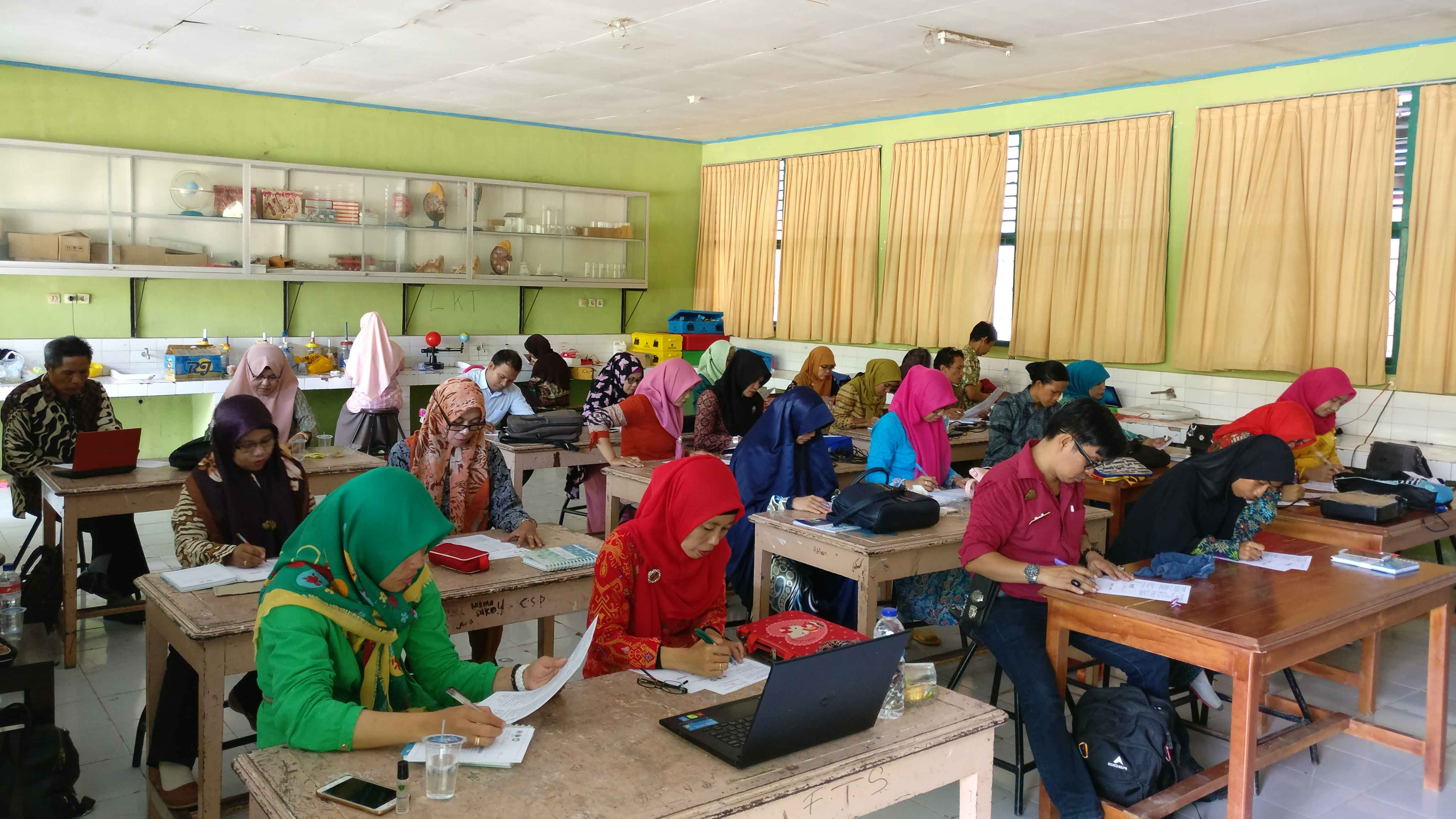 Training for Head of Science Laboratory Candidates in Gowa Regency