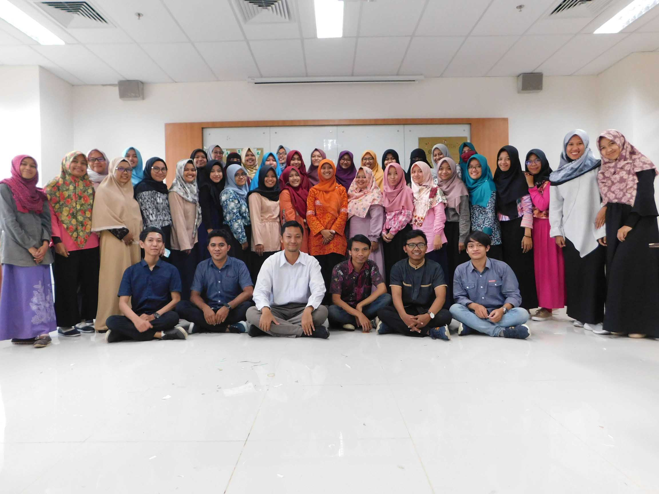 Training on STEM Learning and Science Laboratory Management for Physics Education Students of Ahmad Dahlan University Yogyakarta