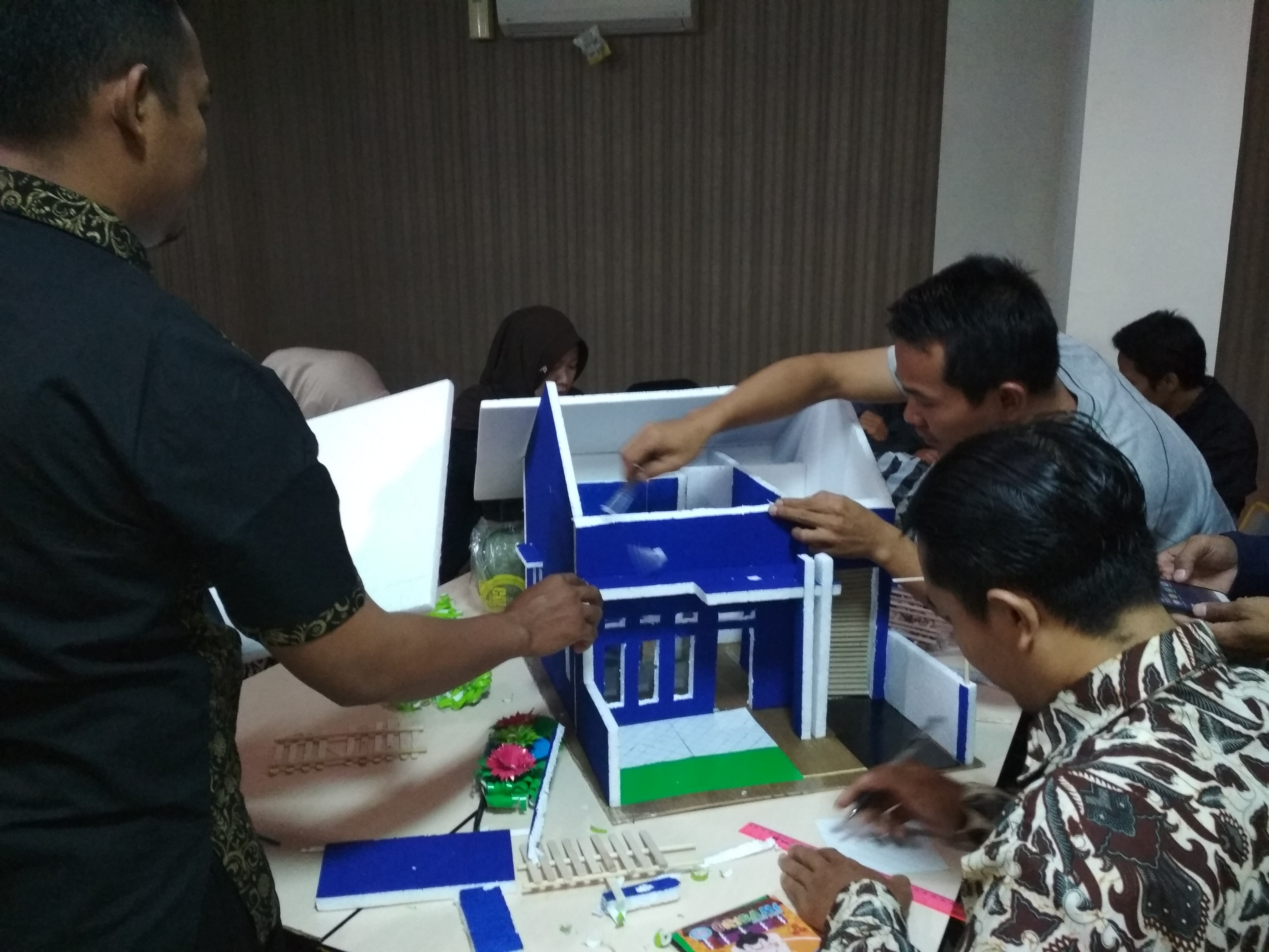 Training on STEM Implementation in 2013 Curriculum for elementary school teachers in Bogor Regency, a collaboration between SEAQIS and Bogor Regency Education Office