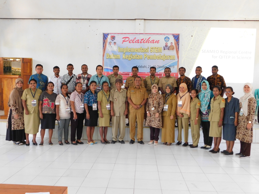 Training on STEM Implementation in Learning for Elementary, Middle and High School Teachers in Alor Regency